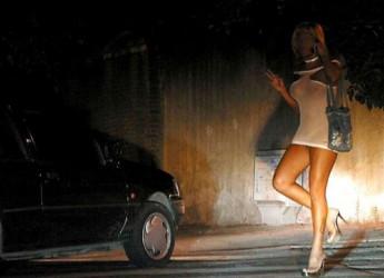 Busto Arsizio (Varese), cliente non raggiunge l'orgasmo e litiga con la prostituta: la polizia gli fa ottenere lo sconto