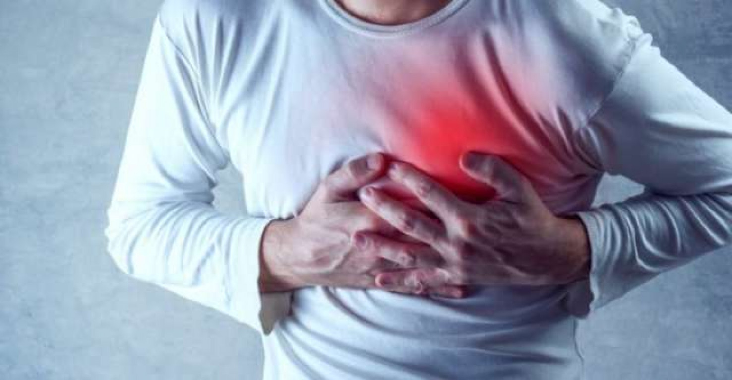 Un attacco cardiaco? No, è il coronavirus che in alcuni casi colpisce il cuore