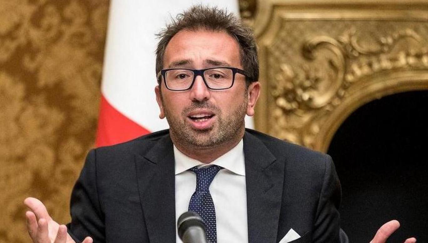 I boss mafiosi usciti durante il Covid non rientrano in cella: flop clamoroso del decreto Bonafede