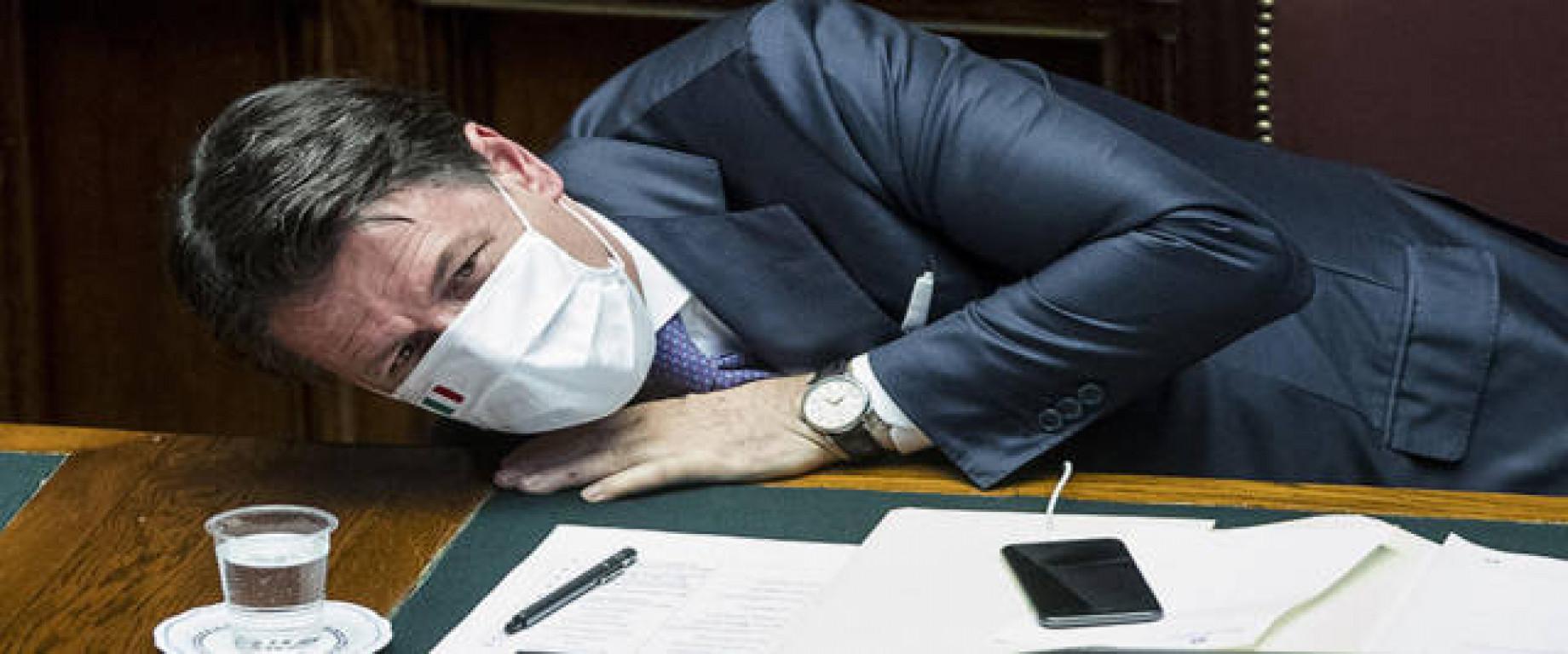 Conte, settimana da incubo al Senato: numeri in bilico. E Berlusconi gli sbatte le porte in faccia