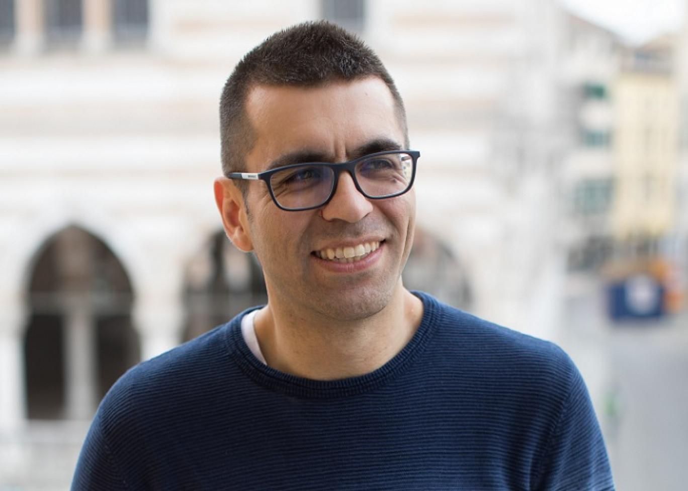"""David Puente in commissione anti fake news: da Di Pietro, passando per Casaleggio e Boldrini, una storia di """"specchiata imparzialità"""""""
