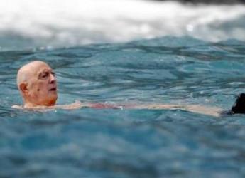 Le vacanze principesche di Napolitano e signora con 10 uomini di scorta