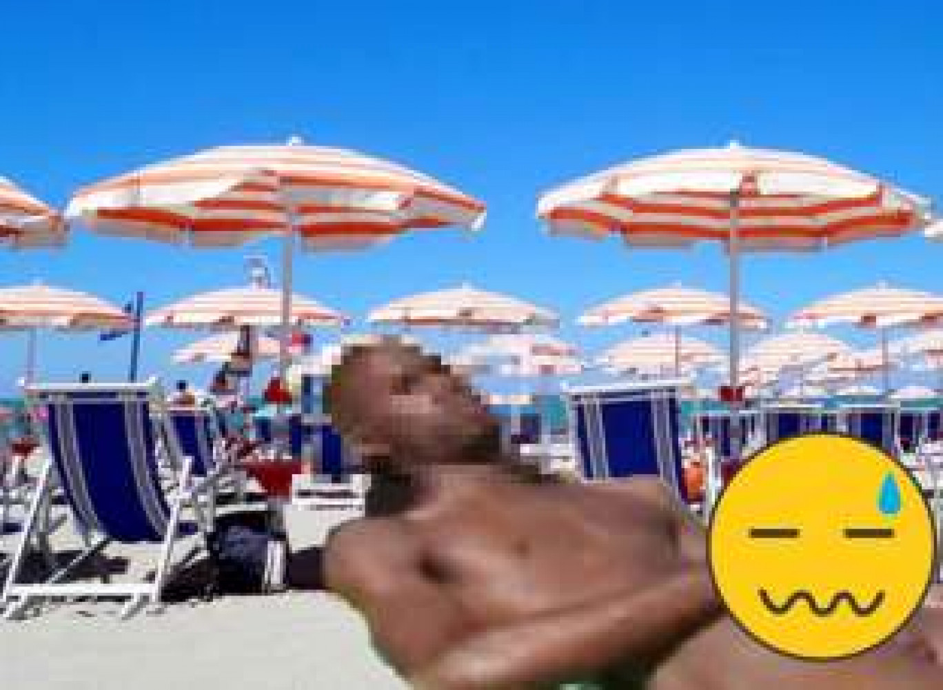 Pesaro un marocchino di 50 anni si masturba in spiaggia davanti ai bambini e poi va a fare il bagno